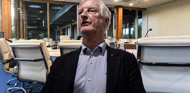Omstreden raadslid Mame Douma wijst weg en wil onderzoek naar PvdA