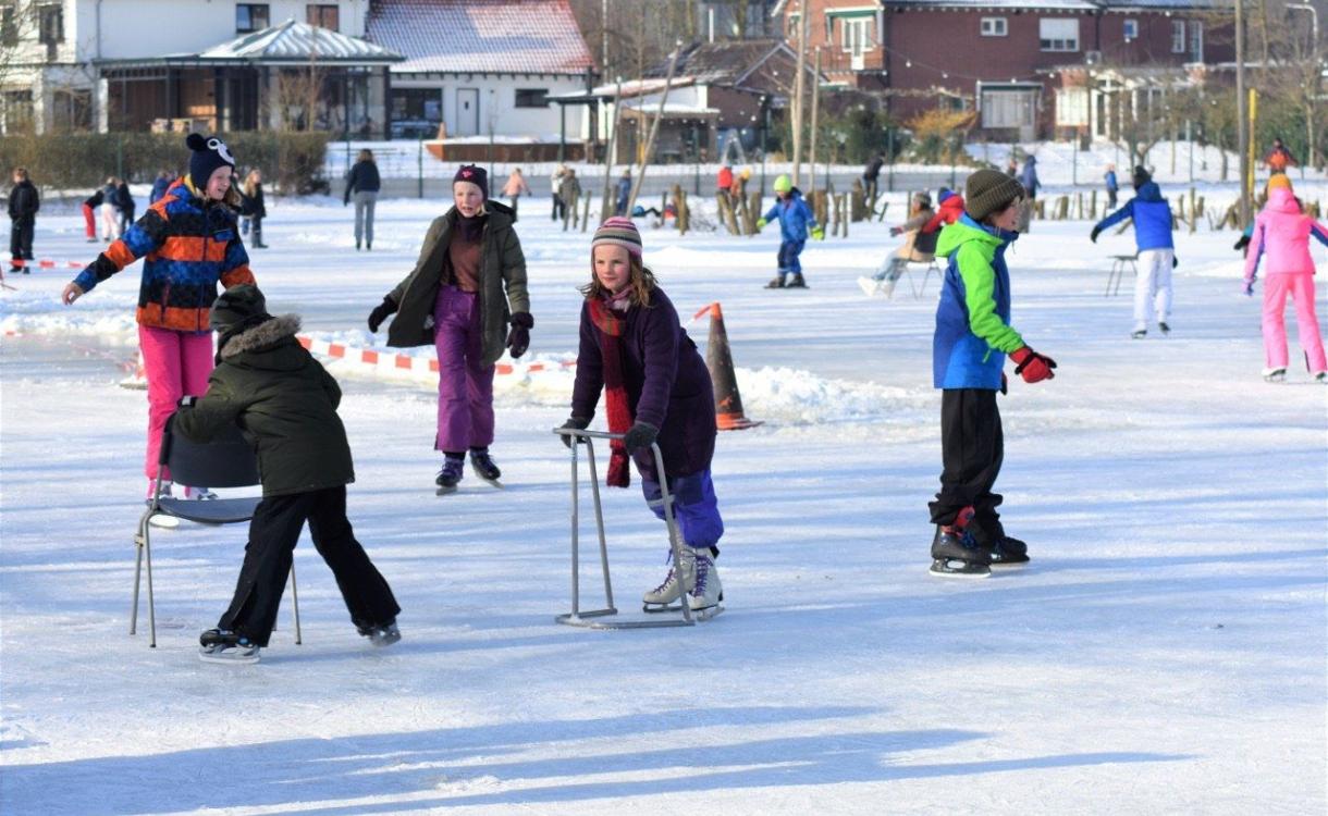 Zutphense IJsvereniging kreeg er ruim 800 leden bij door dikke ijslaag