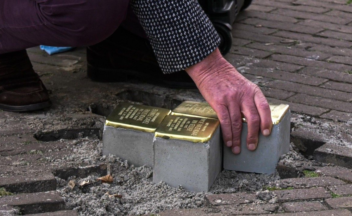 Net geplaatste Stolpersteine slachtoffer van vandalisme