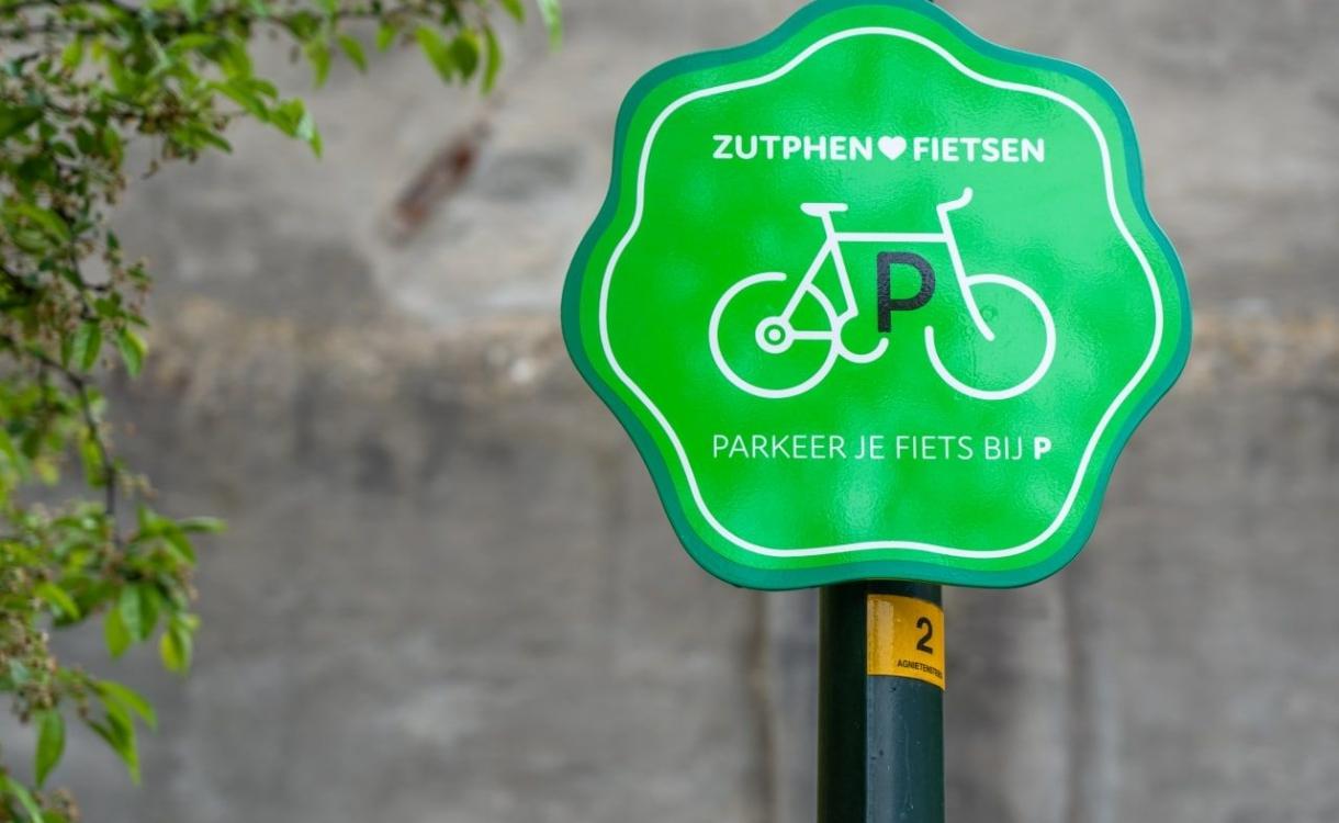 Extra fietsenstallingen in Zutphen om overlast tegen te gaan