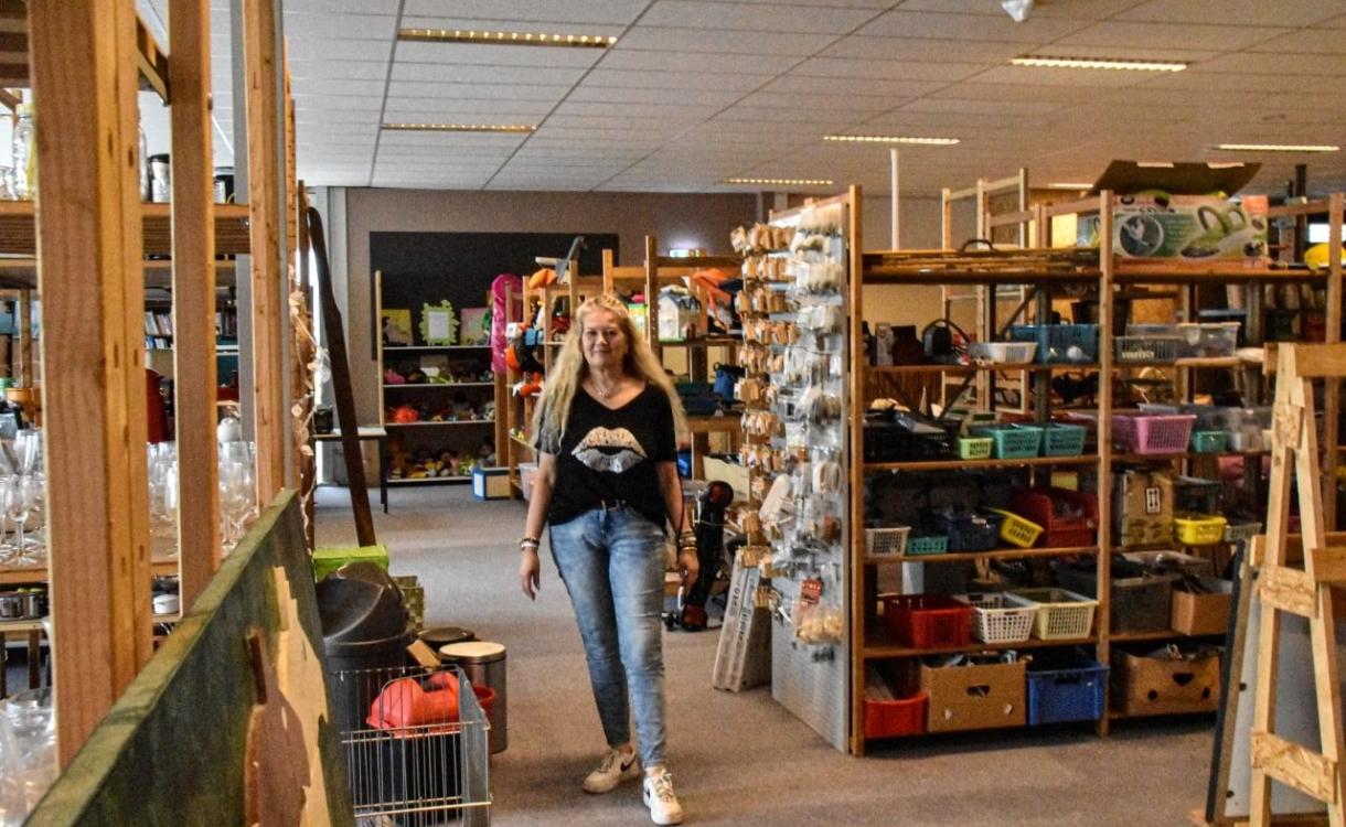 Kringloopwinkel Re-Sell zit eindelijk in droompand: 'Hier is veel meer ruimte'