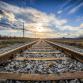 Niet alleen bij bladeren en sneeuw, maar ook bij warm weer ervaart het treinverkeer hinder