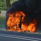 Busje op N346 gaat in vlammen op