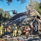 Heftige brand in rieten dak in buitengebied Brummen