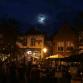 Terrassenbeleid Kleine Markt Lochem tegen het licht