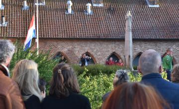 Jongeren schreeuwden tijdens twee minuten stilte in Zutphen: