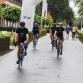 Driehonderd wielrenners stappen op de fiets voor goede doel