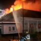 Gigantische brand verwoest winkels en woningen in Brummen