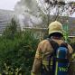 Brandweer ramt deuren in bij woningbrand in Warnsveld