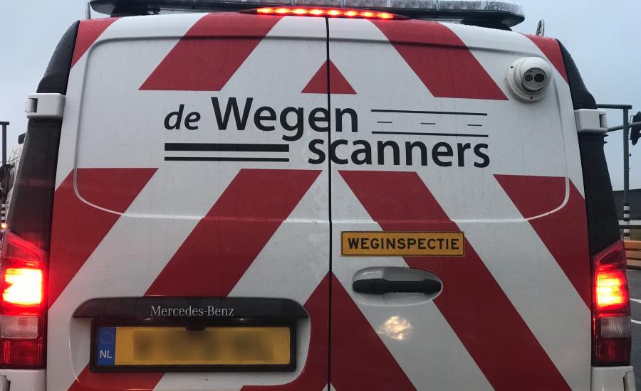 Weginspecteur drukt automobilist zowat van de weg bij Zutphen - LokaalGelderland