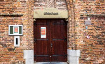 Voormalig bibliotheekdirecteur: 'Het is een schande dat de bibliotheken nog dicht zitten'
