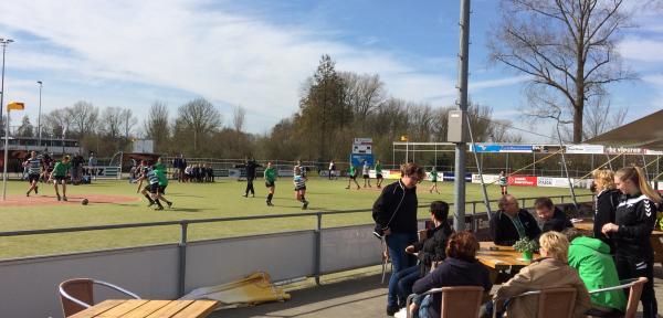 Politiek uit zorgen over sportveld KVZ