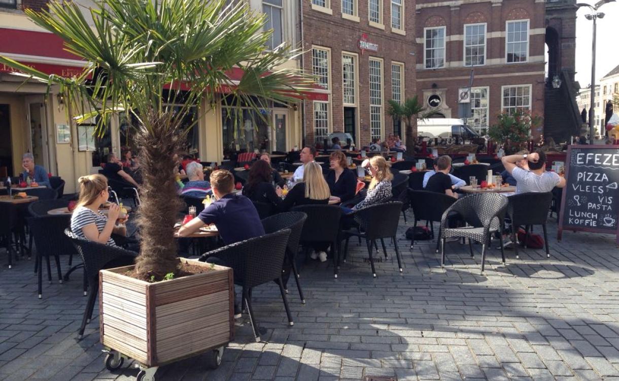 In de winter het terras op, Zutphen maakt het mogelijk voor horeca