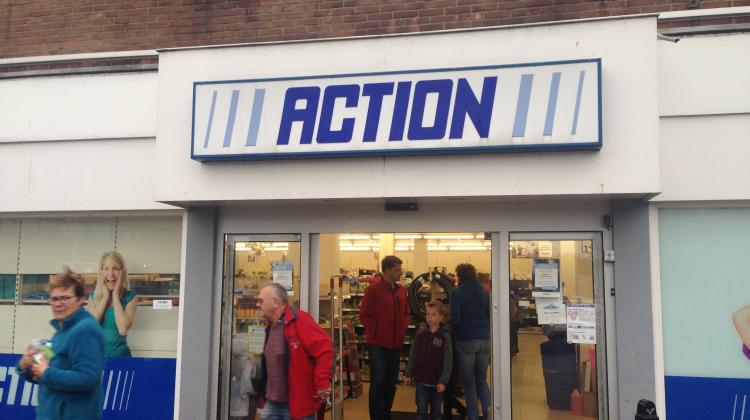 """action wint prijs, want het is """"echt de beste winkel broer"""