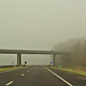 Opnieuw dichte mist, KNMI en ANWB waarschuwen weggebruikers