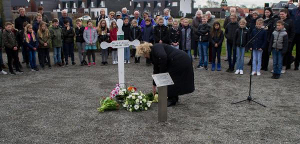 Leesten herdenkt omgekomen Canadese militair