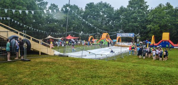 Ondanks de regen veel lol tijdens zeepkistenrace