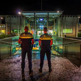 Treinreiziger mishandelt conducteur in trein tussen Deventer en Zutphen