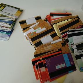 Telefoons, bankpassen en tenten: de gevonden voorwerpen van de Zwarte Cross