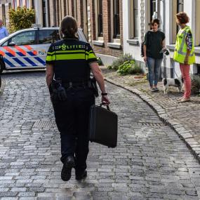Gemeentehuis en straat in Zutphen ontruimd door verdachte tas