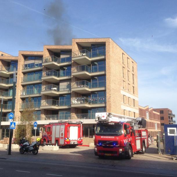 Brand op dak appartementencomplex Zutphen