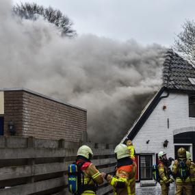 Nog geen duidelijkheid over asbest na brand in Eefde