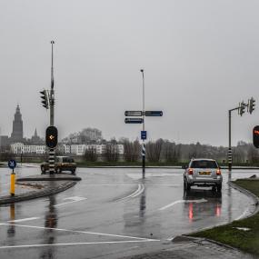Provincie gaat verkeerslichten bij De Hoven met spoed vervangen