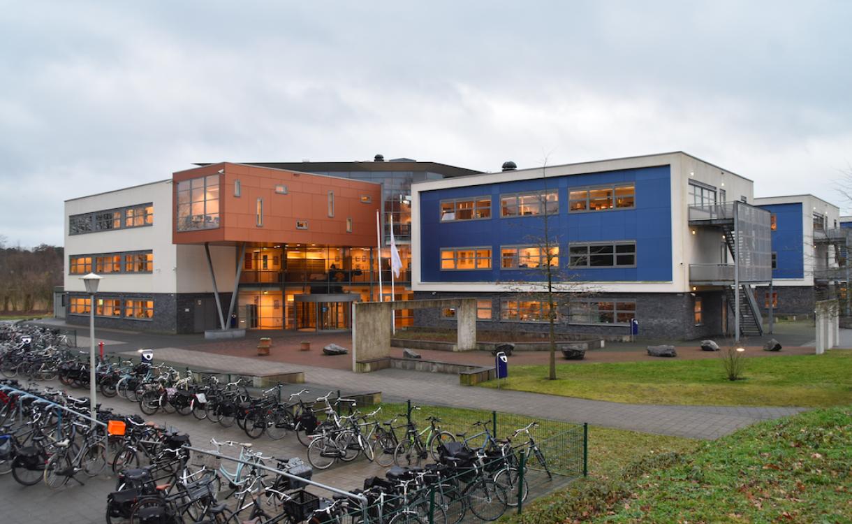 Naamontwikkeling als stap in voorbereiding bestuurlijke fusie Staring College en Assink lyceum