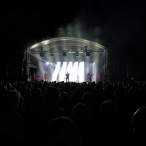 Minder decibellen en topbands bij het openluchttheater in Lochem