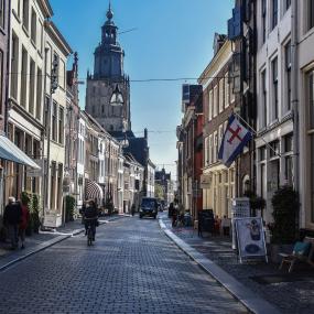 Tonnen kostende herinrichting Lange Hofstraat uitgesteld na protest van ondernemers