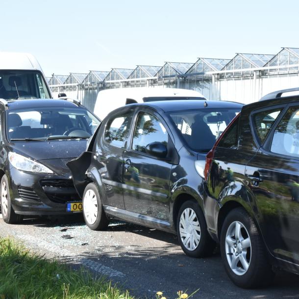 Vier voertuigen betrokken bij kettingbotsing Weg naar Voorst (N345)