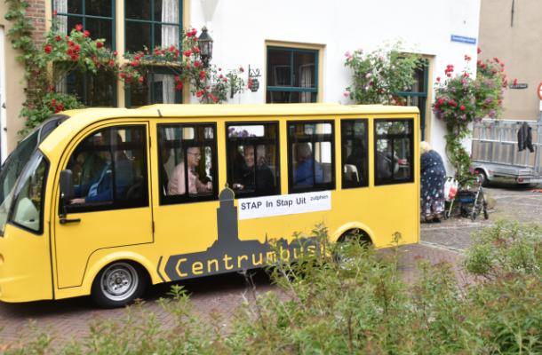 Waar blijft de minibus voor ouderen die in Zutphen zou gaan rijden?