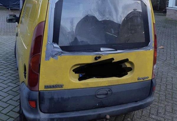 Politie pakt auto af van persoon die als 'debiel' door Zutphen reed