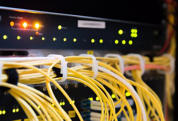 Brummenaren getroffen door internetstoring, provider lost het snel op